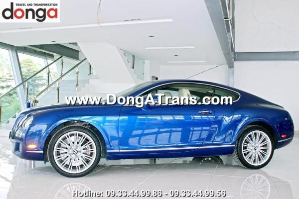 cho-thue-xe-bentley-continental-gt-xanh (1)