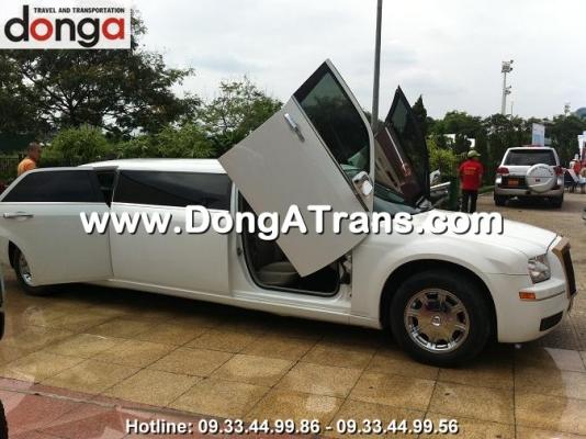 cho-thue-xe-chrysler-300c-limousine