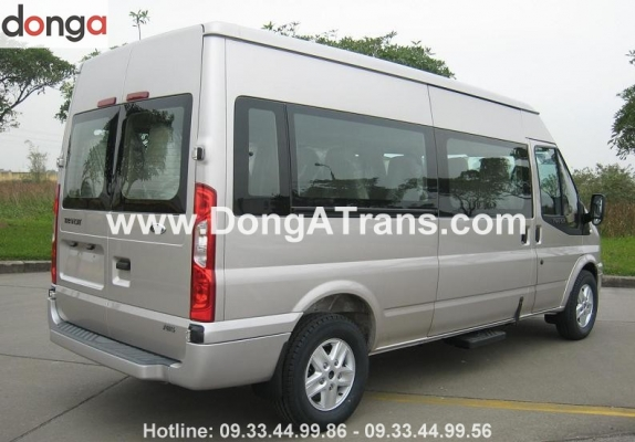 cho-thue-xe-ford-transit