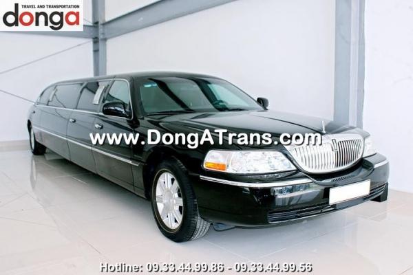 cho-thue-xe-limousine-lincoln-den