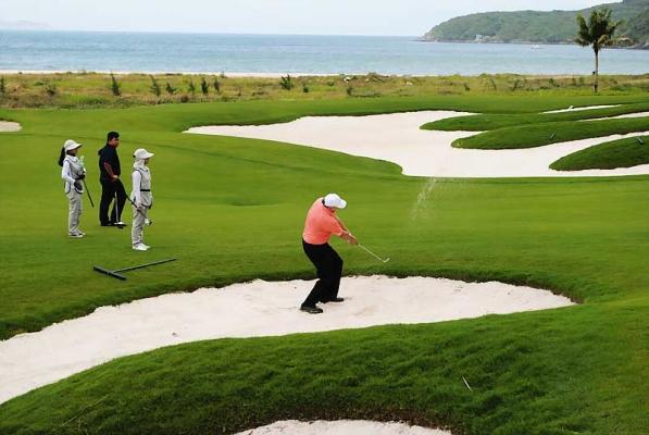 cho-thue-xe-di-cac-san-golf-tai-mien-bac