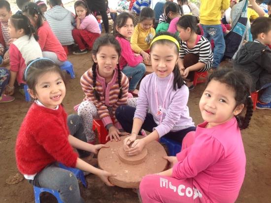 tim-hieu-trang-trai-giao-duc-viet-village-thuong-tin-2